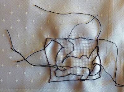 Edith PlatzlEdith Platzl fertigt Miniaturen auf Tischtextilien