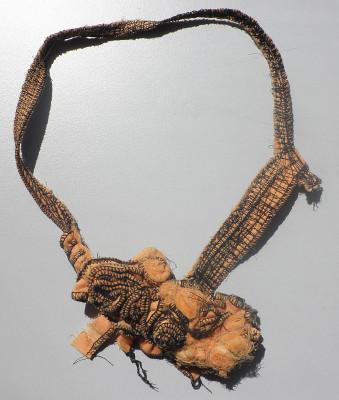 textiler Halsschmuck
